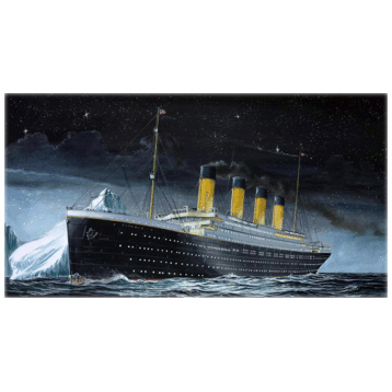 RMS Titanic Model Set Scale 1:1200