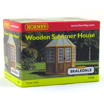 Wooden Summer House R8988